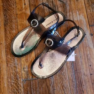 Nwt Juicy Couture Jelly-T-Strap Sandals size M7-8